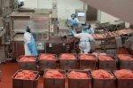 Макдональдс обвинили в сотрудничестве с поставщиками, которые используют антибиотики в производстве